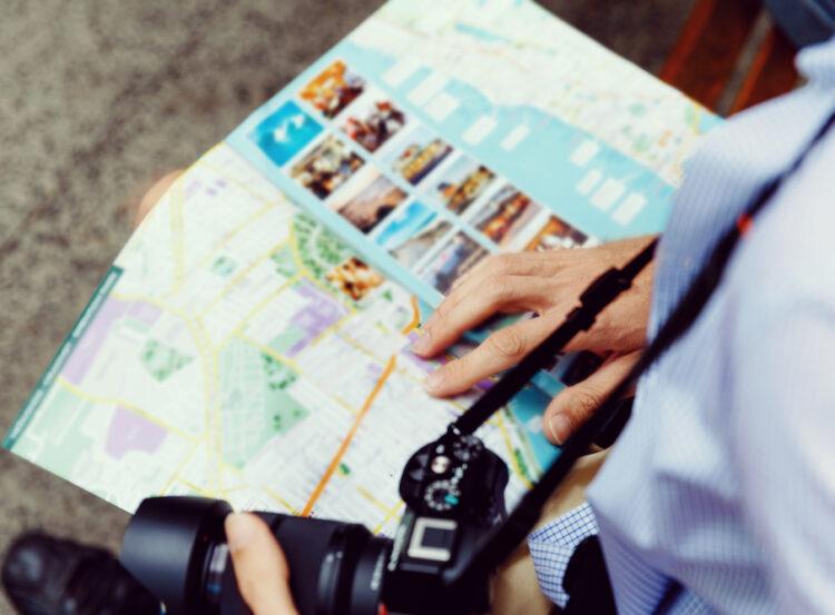 papier mince pour guides touristiques